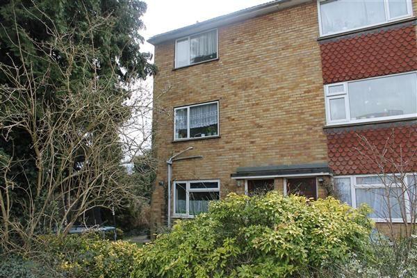 Thumbnail Maisonette to rent in Denham Green Lane, Denham, Uxbridge