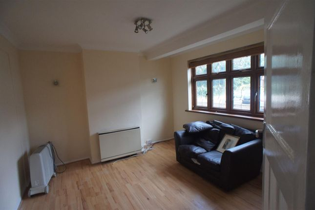 3 bed terraced house to rent in Bedford Crescent, Enfield