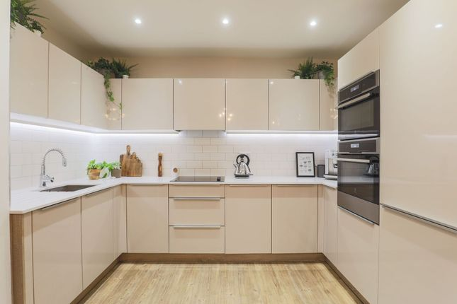 Kitchen of 5 Cable Walk, London SE10