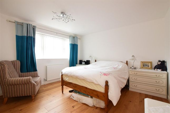 Bedroom 1 of Oaktree Drive, Emsworth, Hampshire PO10