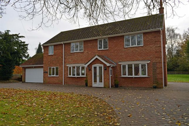 Thumbnail Detached house for sale in Hall Lane, Elsham, Brigg
