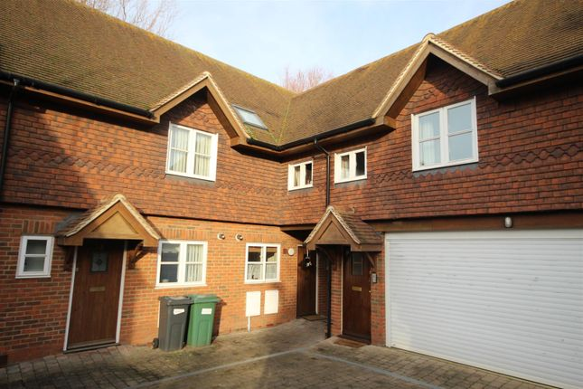 3 bed terraced house to rent in Limborough Close, Wantage