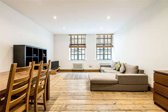 Thumbnail Flat for sale in Pear Tree Court, London
