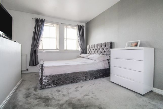 Master Bedroom of Newlands Crescent, Cove AB12