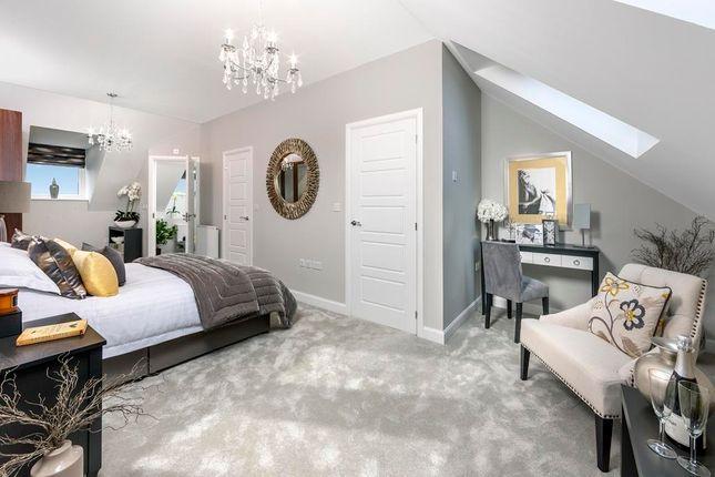 Main Bedroom In 3 Bed Norbury