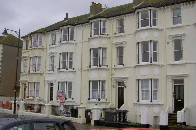 2 bed flat to rent in Central Parade, Herne Bay