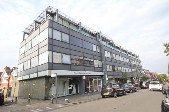 Thumbnail Flat to rent in Arthur Road, London