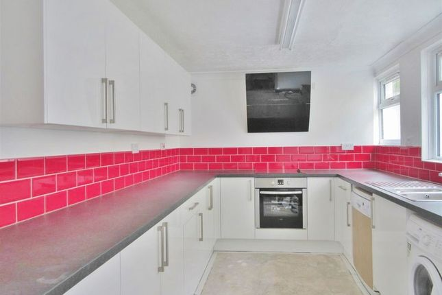 Thumbnail Terraced house to rent in Cobden Road, Brighton