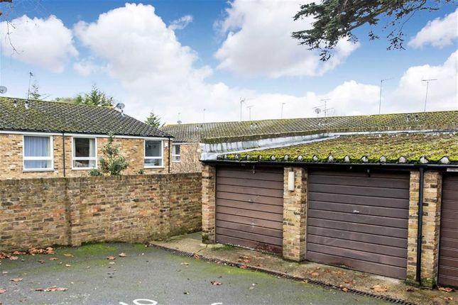 Parking/garage to rent in Westleigh Avenue, Putney