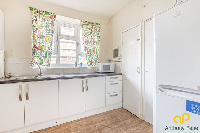 Thumbnail Flat to rent in Windsor House, Portland Rise, Manor House, London