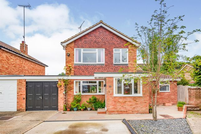 Thumbnail Link-detached house for sale in Beechey Way, Copthorne, Crawley
