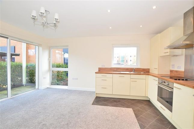 Thumbnail Flat to rent in Thornton Side, Redhill