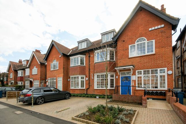 Thumbnail Flat for sale in West End Avenue, Pinner