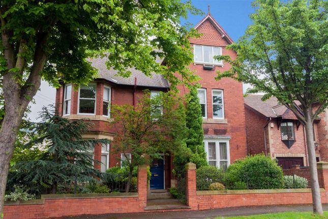 Thumbnail Flat for sale in Kensington Road, Wakefield