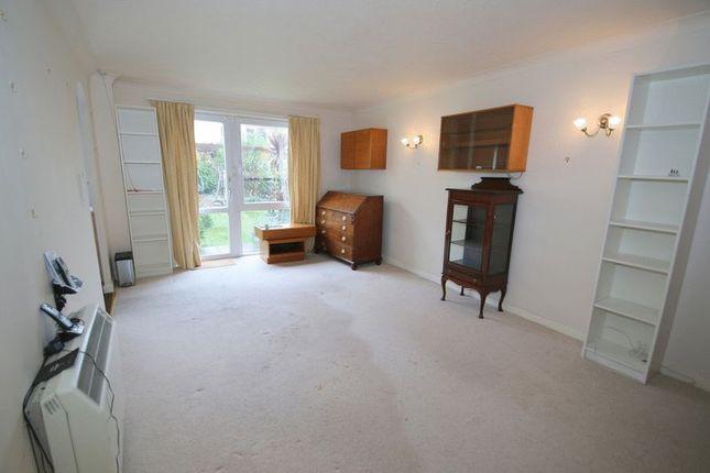 Photo 7 of Homecross House, Chiswick W4