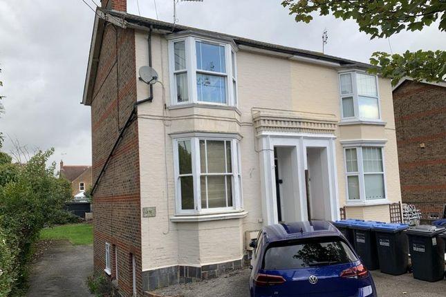 1 bed flat to rent in Sydney Road, Haywards Heath, West Sussex RH16