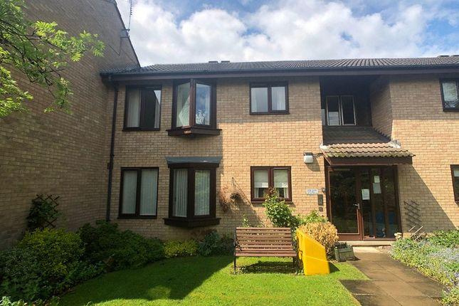 Thumbnail Flat for sale in Fern Close, Leicester