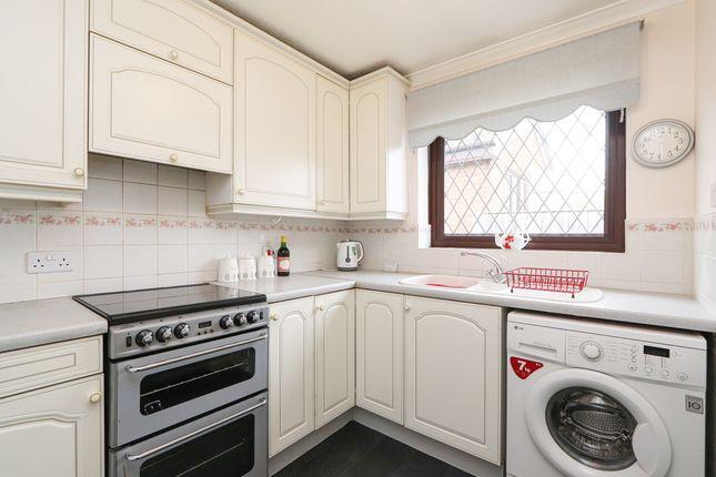 Kitchen of Horseshoe Close, Wales, Sheffield S26