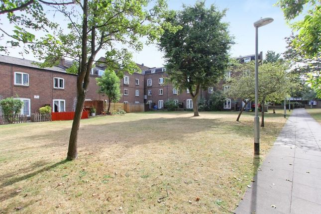 Thumbnail Flat for sale in Harbord Close, Camberwell, London