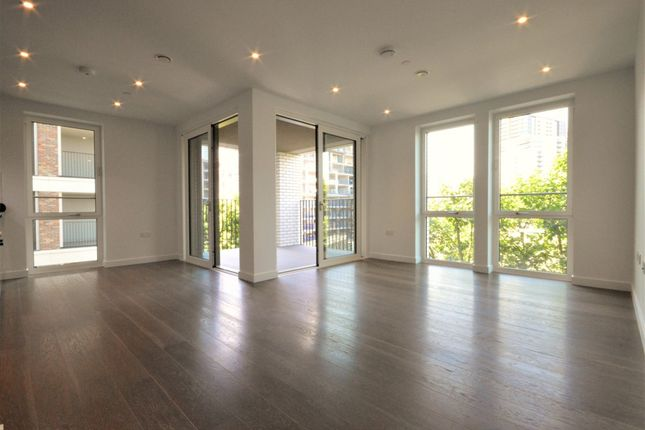 2 bed flat to rent in Heygate Street, London