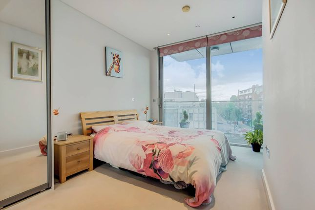 Thumbnail Flat for sale in Plaza Gardens, East Putney, London