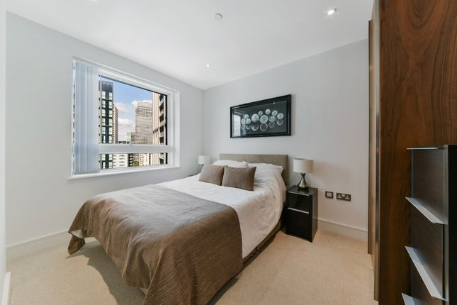 Bedroom of Talisman Tower, Lincoln Plaza, Canary Wharf E14