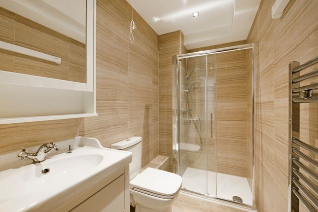 Bathroom of Duke House, Hampstead Road, Euston, London NW1