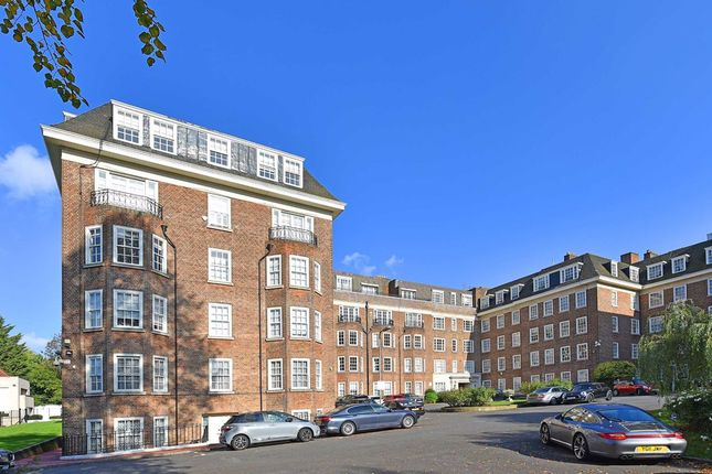 Thumbnail Flat for sale in St Stephens Close, London