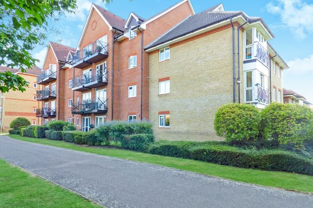 Thumbnail Flat for sale in Loxley Court, Crane Mead, Ware