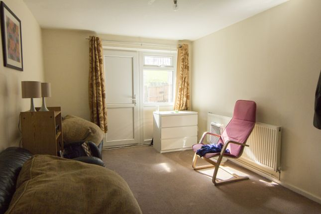 3 bed semi-detached house to rent in Holburn Grove, Hyde Park, Leeds