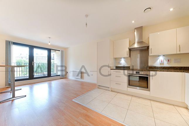 Thumbnail Flat to rent in Newmans Close, Willesden