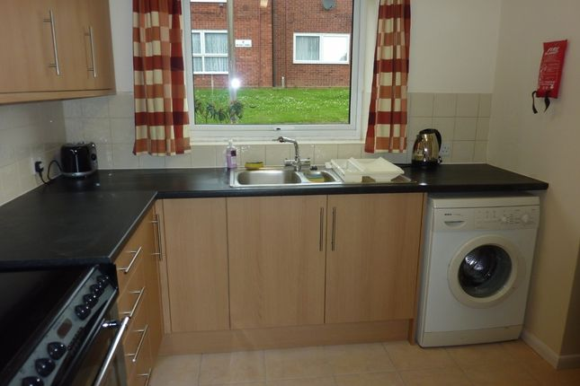4 bed end terrace house to rent in Arnold Drive, Colchester CO4