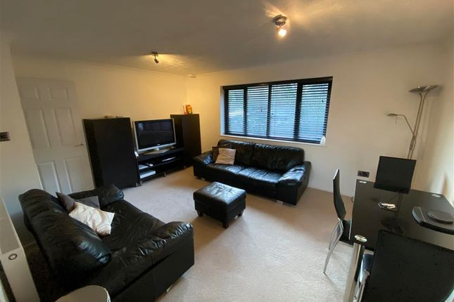 Thumbnail Maisonette to rent in Bury Green, Hemel Hempstead