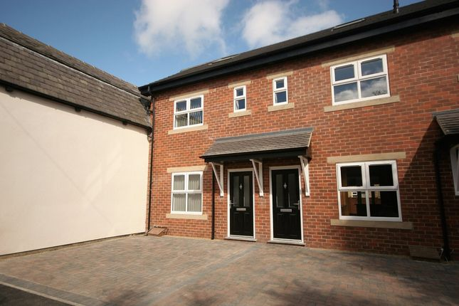 Thumbnail Town house to rent in Newnham Street, Harrogate