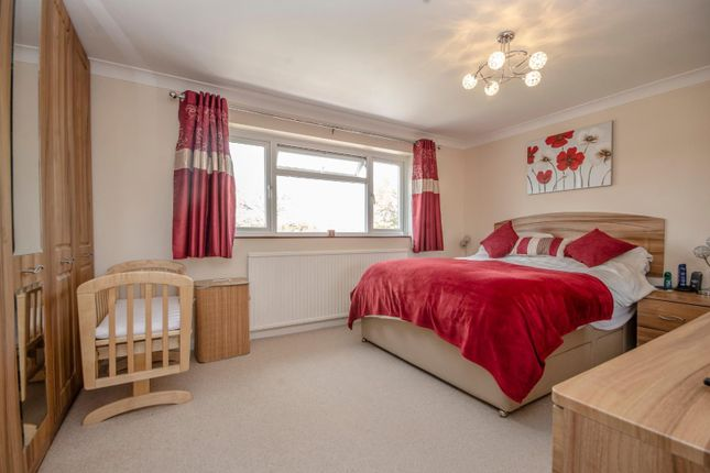 Thumbnail Detached house for sale in Berry Close, Hedge End, Southampton