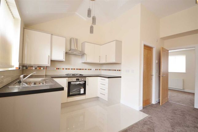 Thumbnail Flat to rent in Albert Street, Chorley