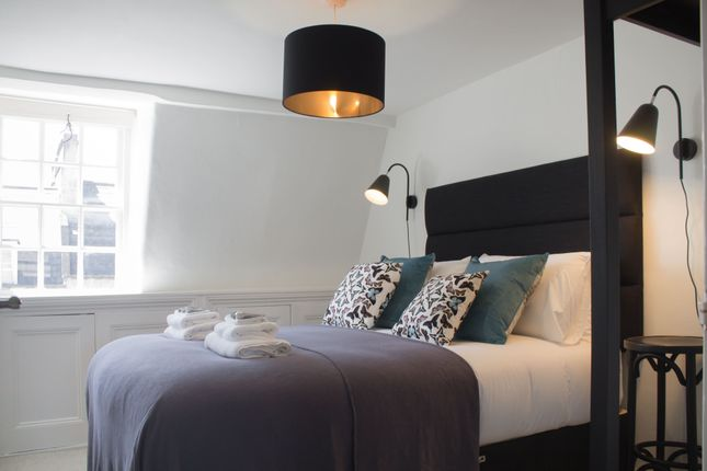 Thumbnail Flat to rent in Milsom Street, Bath