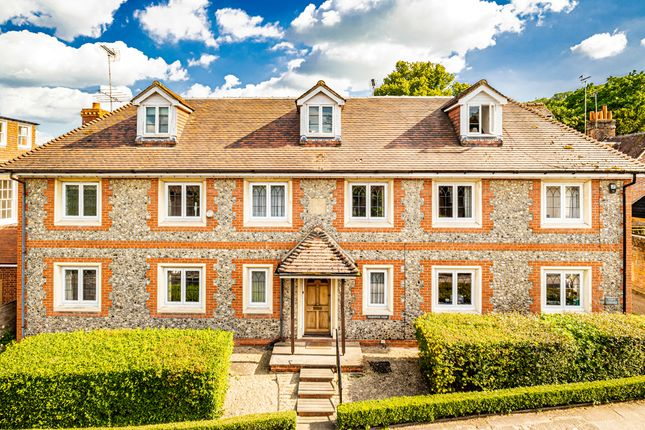 Thumbnail Property for sale in Charlwood House, Streatley On Thames