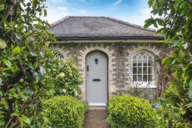 Thumbnail Detached bungalow for sale in Oakwood, Chichester