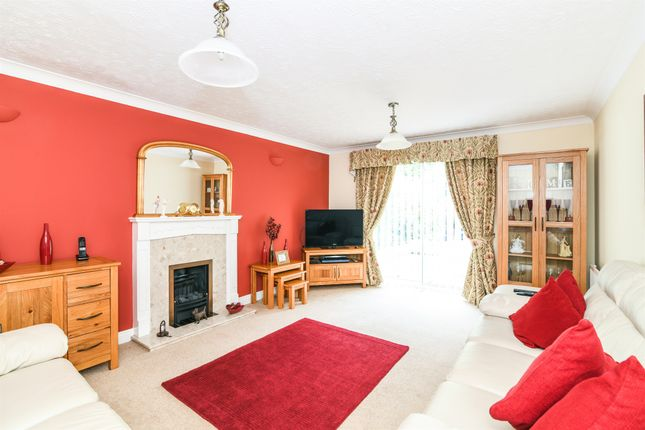 Thumbnail Detached house for sale in Hobhouse Gardens, Worcester