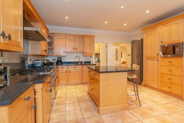 3 bed flat for sale in Harrop Road, Hale, Altrincham WA15