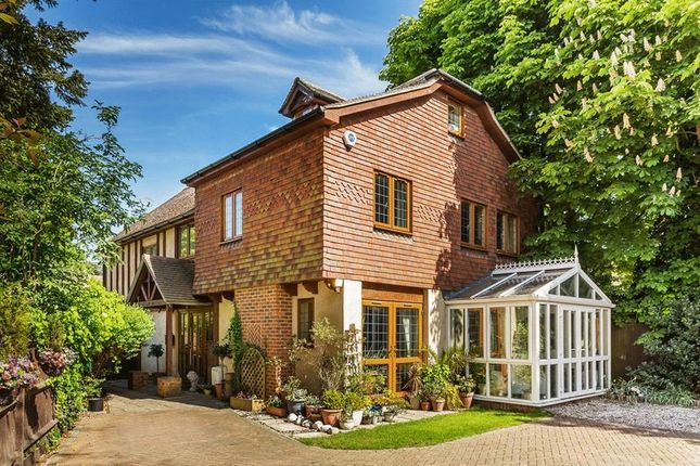 Thumbnail Detached house for sale in Chislehurst Road, Bromley, Kent