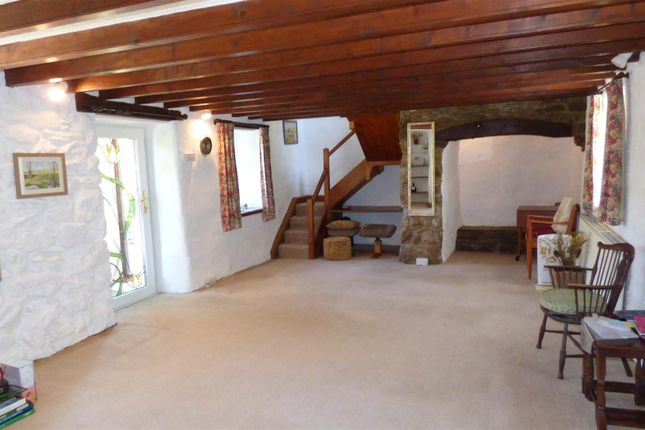 Lounge of St. Nicholas, Goodwick SA64