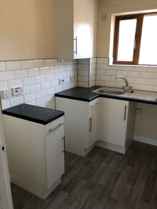 1 bed flat to rent in Chadwick Court, Middlecroft Road, Staveley S43