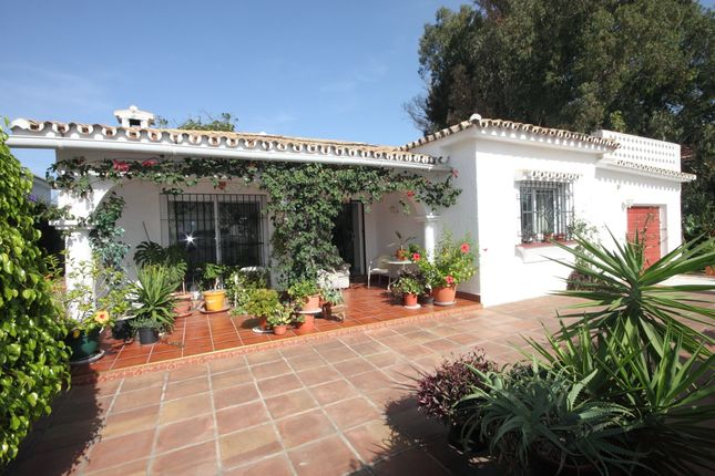 3 bed villa for sale in Estepona, Costa Del Sol, Andalusia, Spain