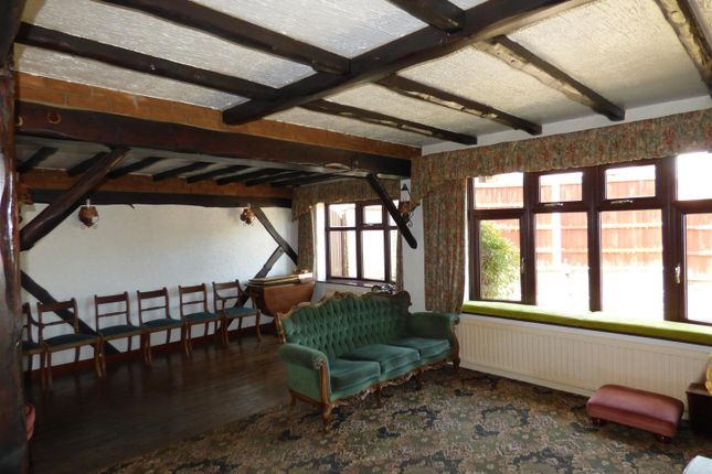 Lounge Two of Broomfield Close, Sandiacre, Nottingham NG10