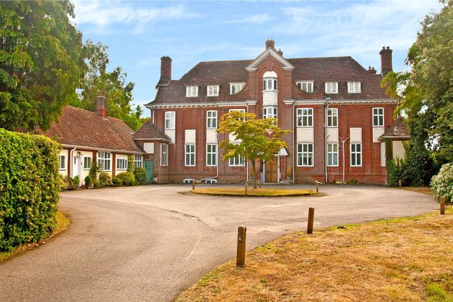 Thumbnail Flat for sale in Arborfield Court, Swallowfield Road, Reading, Berkshire