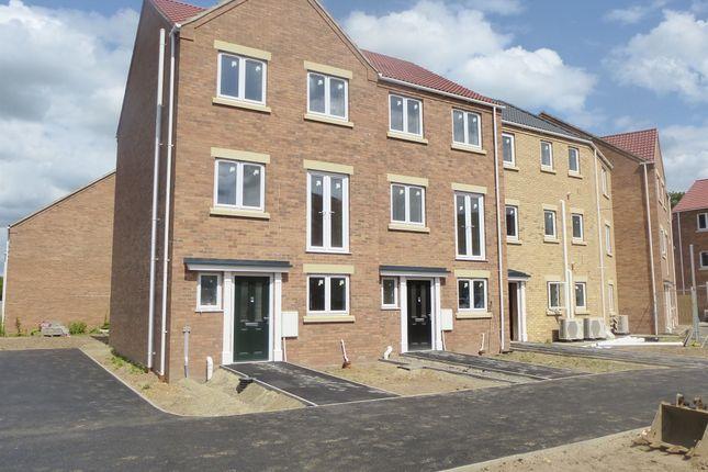 4 bedroom end terrace house for sale in Lerowe Road, Wisbech