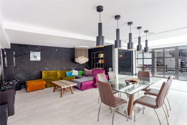 Thumbnail Flat to rent in Metropolitan Wharf, 70 Wapping Wall, London