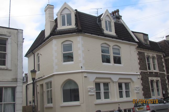 Thumbnail Maisonette to rent in Oakfield Grove, Clifton, Bristol